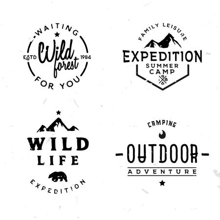 빈티지 스타일, 레트로 야생 모험 테마 레이블, 배지, 기호에서에서 야외 logotypes의 집합입니다.