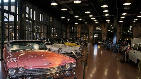 Klassieke auto's in museum