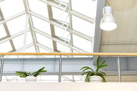 近代的なオフィスビルの建築 写真素材 - 93388032