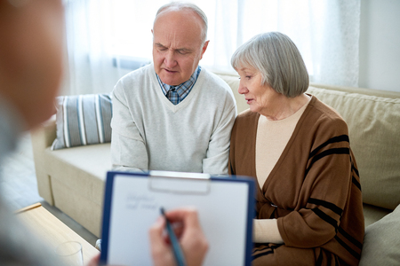 Senior Couple in Therapist Office Stok Fotoğraf - 98797924