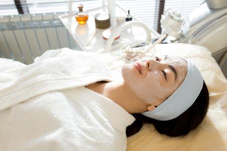 Asian Woman Enjoying SPA Treatment Reklamní fotografie - 100439624