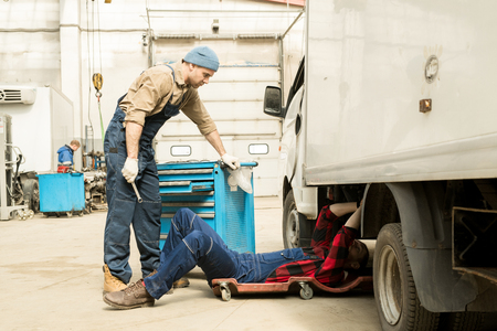 Repair Of Truck In Workshop Stock fotó