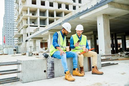 Construction Workers on Break Stock fotó - 107102750