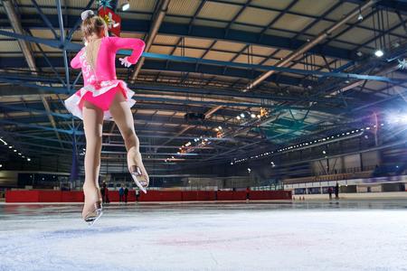 Figure-Skating Performance 版權商用圖片