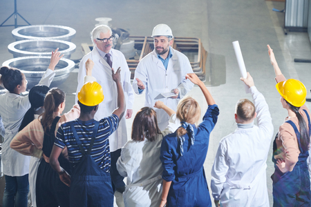 Ontmoeting met fabrieksmanagement