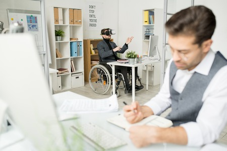 Immersion in virtual reality at office