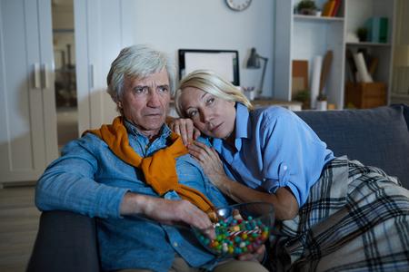 Senior Couple Watching TV in Dark Zdjęcie Seryjne