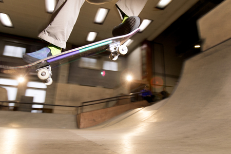 Skateboarder Doing Stunts Imagens
