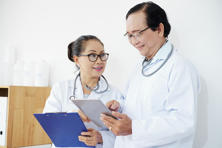 Doctors discussing interesting case