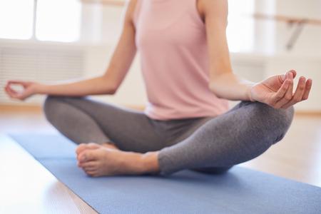 Ruhe bewahren beim Yoga Standard-Bild