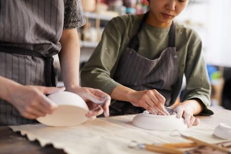 Polishing clay plates