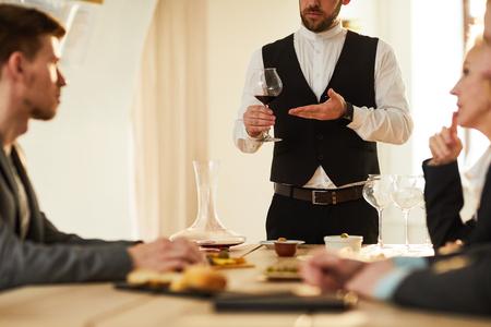 Sommelier at Tasting Session 版權商用圖片
