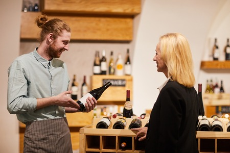 Consultation on Wine Imagens