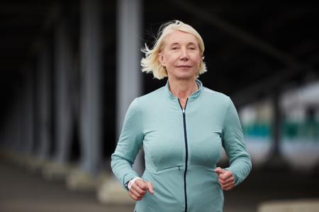 Blonde sportswoman Фото со стока