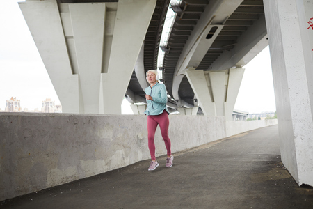 Female sprinter Фото со стока