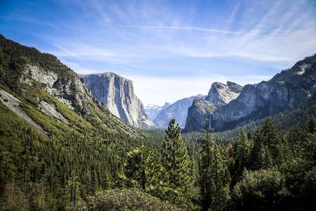 bridalveil fall: Yosemite National Park, USA