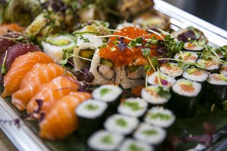 日本の寿司ケータリングのトレイ