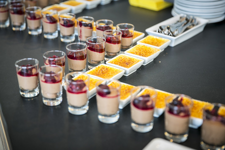 Catering & Buffet  Creme Brullee & Mousse au Chocolat