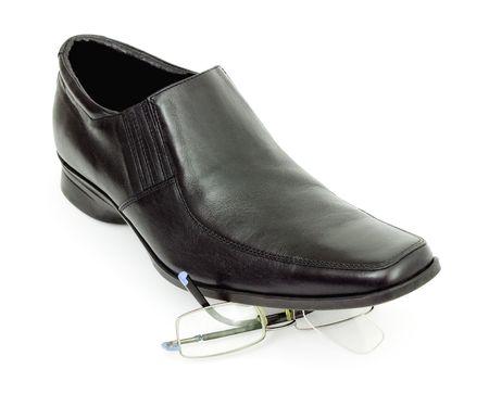 crush on: Elegantes botas negras de los hombres aplastar gafas  Foto de archivo
