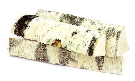 Birke Firewoods liegend auf wei�em Hintergrund