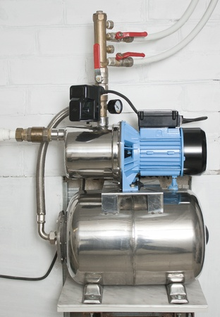 Water Pump: Automatic Water Pump In The Basement