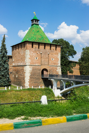 Russland, Nischni Nowgorod - 7. August 2014: Rechteckig Nicholas Turm von Nischni Nowgorod Kreml. K�rzlich Kreml in Nischni Nowgorod drehte 500 Jahre Editorial