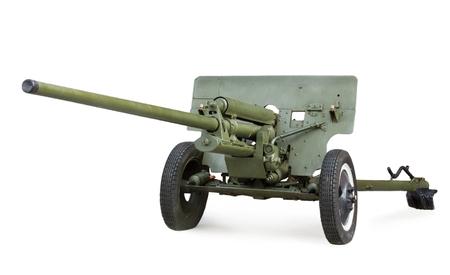 seconda guerra mondiale: Anticarro 57 mm gun ZIS-2 Sovietica durante la seconda guerra mondiale isolato su sfondo bianco Editoriali