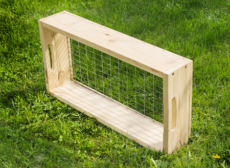 sift: Sieve with a wooden frame for garden works