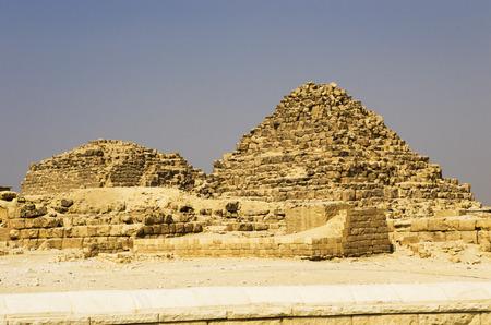 Pyramid of Queen Henrysen and Pyramid of Queen Meritethis I Banco de Imagens