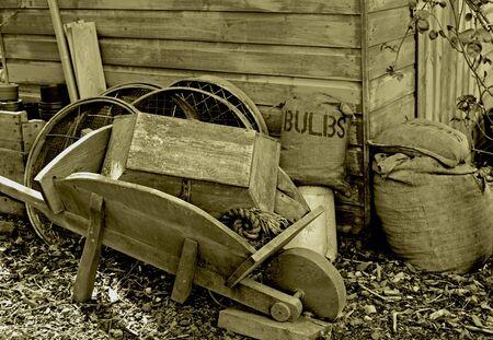 antiquary: herramienta de jard�n antiguo