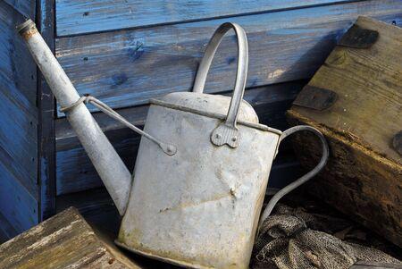 wateringcan: watering  can