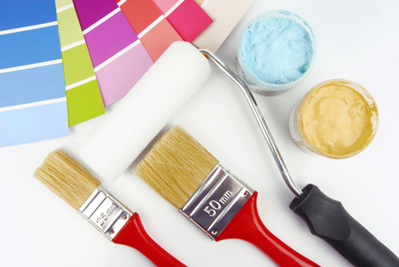 paint brush and paint color choice for interior photo