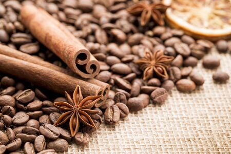 Roasted Selected Coffee Beans on Burlap for Background Archivio Fotografico