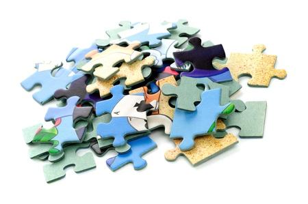piezas de rompecabezas: Rompecabezas colorido aislado en blanco Foto de archivo