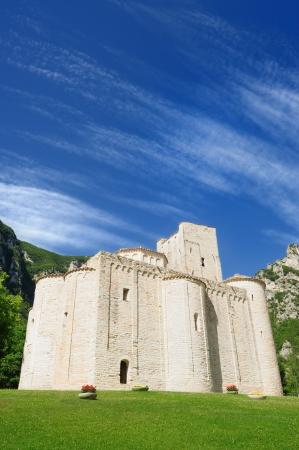 San Vittore opatství, Marche, Itálie