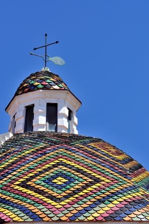 Kopule kostela San Michele, který je symbolem města Alghero na Sardinii v Itálii Reklamní fotografie
