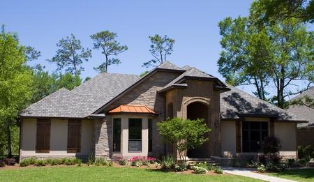 Nouvellement construit maison modèle de luxe moderne en Floride, USA. Banque d'images - 29666628