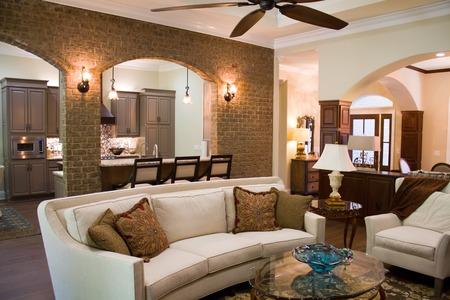 Upper class executives interieur ingericht met dure luxe meubels en accessoires. Stockfoto