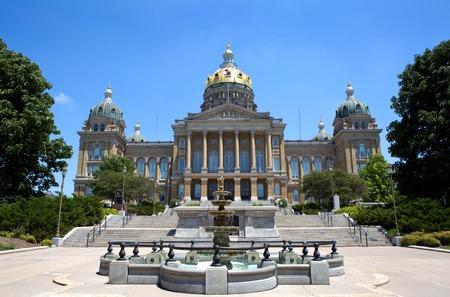アイオワ州議会議事堂は、デモイン、アイオワ、米国にあります。