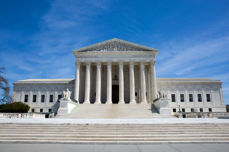 Supreme Court building in the United States of America is located in Washington, D.C., USA. Banco de Imagens - 69535686