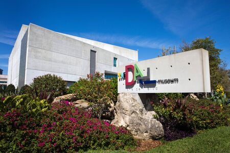 st  pete: ST. PETERSBURG, FLORIDA - FEBRUARY 17, 2017: Sign and building of The Salvador Dali museum located in St. Petersburg, Florida, USA on February 17, 2017.