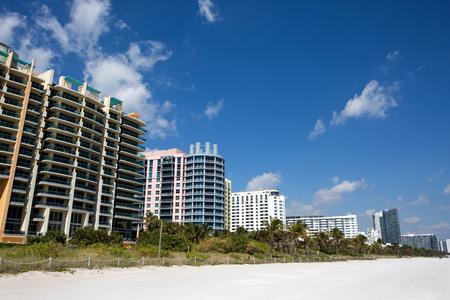 Hotels and condominiums line the white sandy Miami South Beach, Florida, USA. Reklamní fotografie
