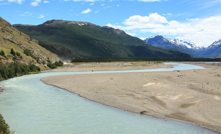 los glaciares: Rio de las Vueltas near El Chalten in Los Glaciares National Park, Argentina. The town is the starting point for some of the most popular hiking trails in Patagonia, including the famous Fitz Roy mountain.