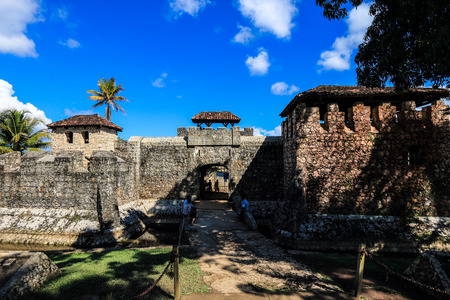 dominance: Entrance gate to Castillo de San Felipe de Lara, a fort located at the entrance to Lago Izabal in Rio Dulce, Guatemala. It was built by the Spanish in 1644 to protect the nearby port from attacks by English pirates. Editorial