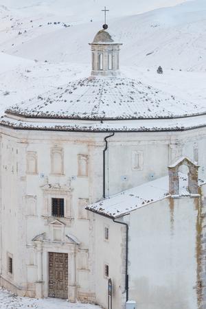 Church of Santa Maria della Pietà(Rocca Calascio, Aq Italy) Reklamní fotografie - 93890184