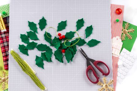 DIY instruction. Making a Christmas wreath from felt. Craft tools and supplies. Step 4.