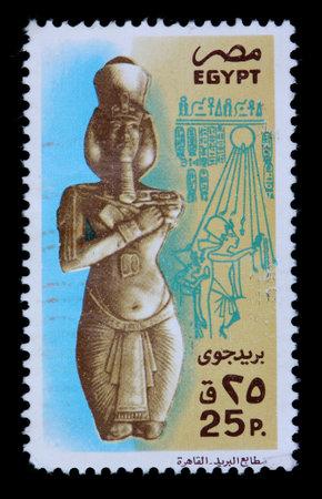 이집트 -1980 년경 : 이집트에서 인쇄하는 25 piastre 스탬프 1980 년경 파라오 및 상형 문자의 동상을 보여줍니다. 에디토리얼