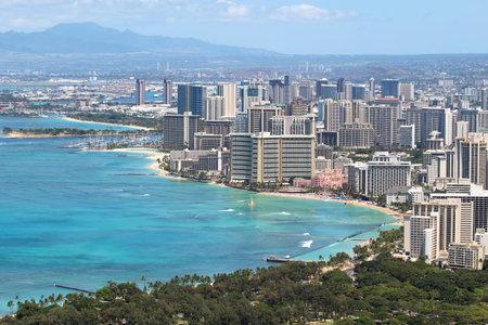 waikiki beach: Skyline of Honolulu, Hawaii and the surrounding area including the hotels and buildings on Waikiki Beach