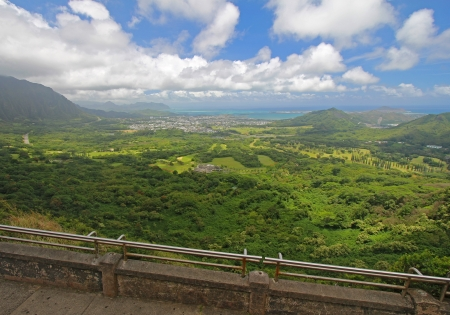 windward: View of the windward coastline of Oahu, Hawaii, from the Nuuanu Pali Lookout in the mountains above Honolulu Stock Photo
