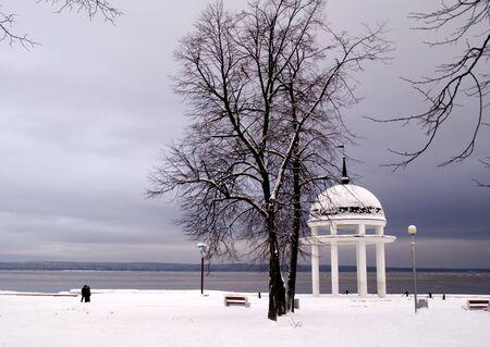 rotunda: Rotunda on Onego lake in winter